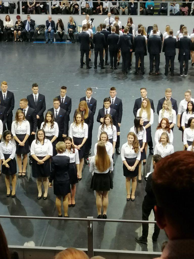 Szalagtűzős táncoktatás Debrecen, Tánc, zene és tanár választás
